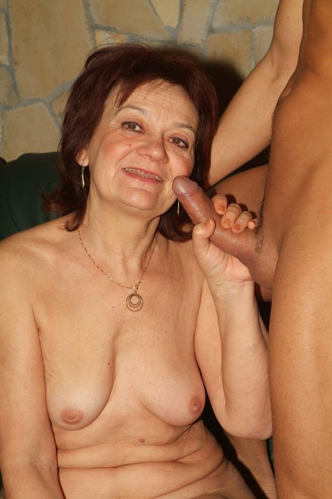 blowjob sex movies Mature mom amature tube porn
