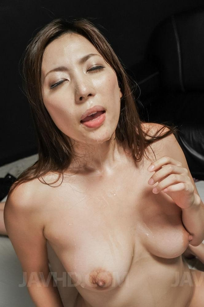 Friends take turn creampie japanese wife cheating with boss