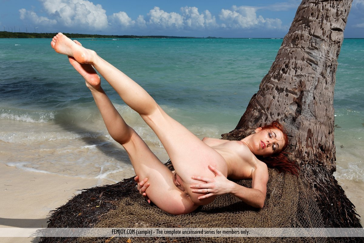lauren_phillips_alice_merchesi_in_big_redhead_lesbian_domin Cathedral of erotic misery