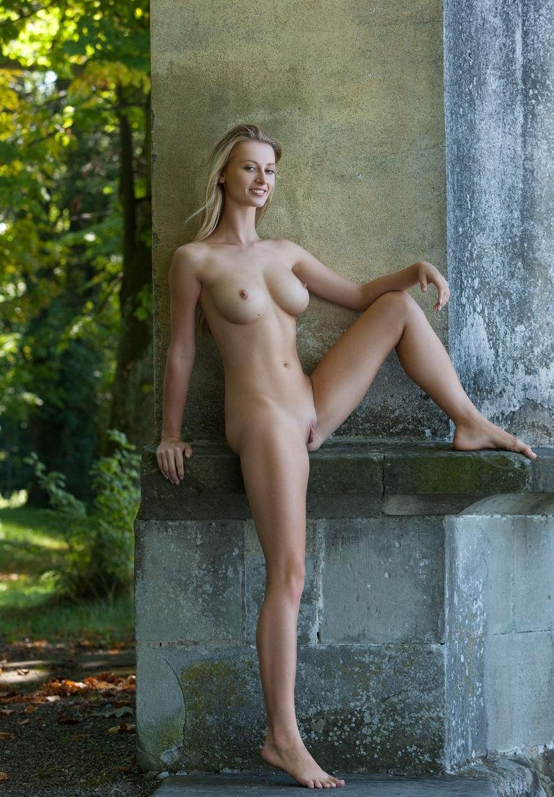 Edythe reccomended Naked girls outdoor sex