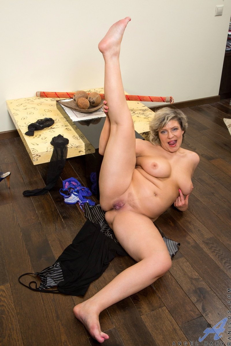 Woof reccomend Slutty pretty young girl in pants
