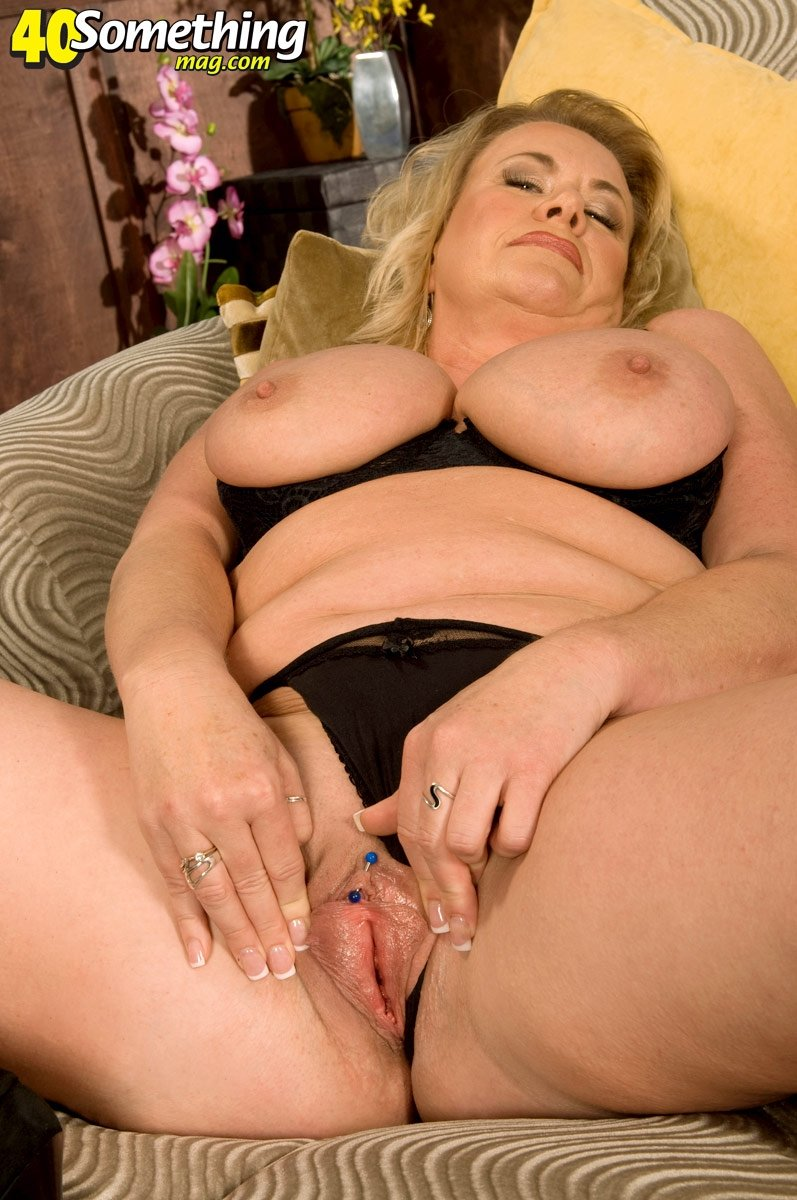 hot squirting threesomes